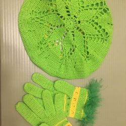Handmade gloves and beret