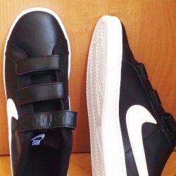 кроссовки Nike мужские ,кожа,новые р 44