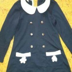 Детское платье с карманами 130см