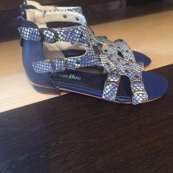 Çocuk sandaletleri (yeni)!