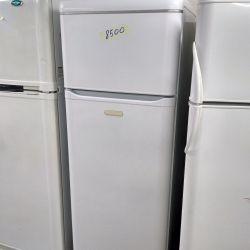Ψυγείο δύο θαλάμων Ariston