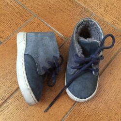 Γυναικεία παπούτσια από φυσική γούνα Zara