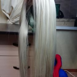 Peruca naturală de păr, blondă. nou