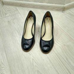 Γυναικεία παπούτσια στην πλατφόρμα, μέγεθος 37