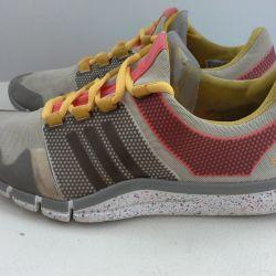 Adidași de la Adidas Stella Mccartney 35 p