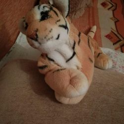 Игрушка тигренок