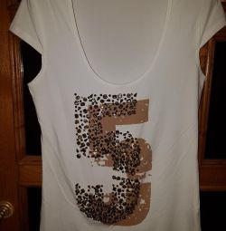 T-Shirt Mangano cu un model de pietre