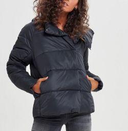Куртка Only нова, зимова