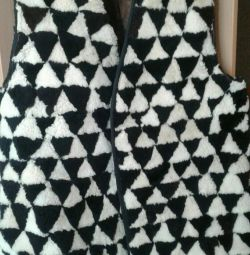 Jachetă fără mâneci realizată din fabrică din piele de oaie