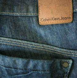 Calvin Klein женские джинсы.