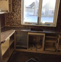 Кухонна стільниця зі штучного каменю