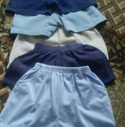 Voi vinde pantaloni scurți, tricouri și trunchiuri de înot