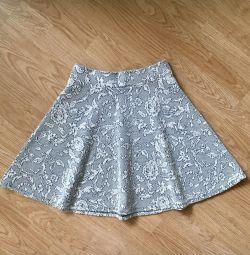 Νέα φούστα της Miss