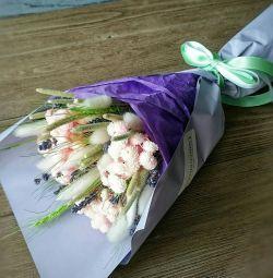Demet kuru çiçekler