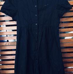 Κομψό φόρεμα σπορ στυλ