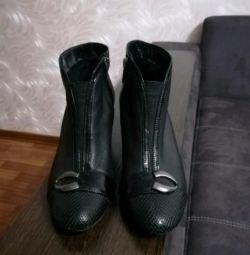 Δερμάτινα μπότες από αστράγαλο