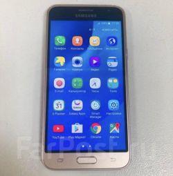 Phone (smartphone) Samsung Galaxy J3 (2016)