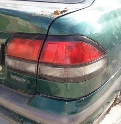 πίσω φανάρι, δεξιά και αριστερά Mazda 626