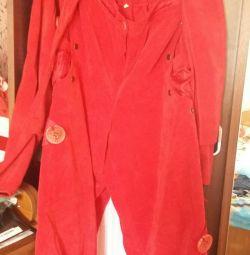 Костюм (штани і короткий піджачок)