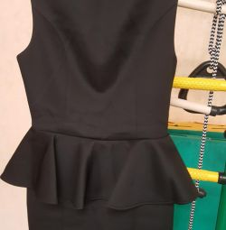 Μικρό μαύρο φόρεμα 42r
