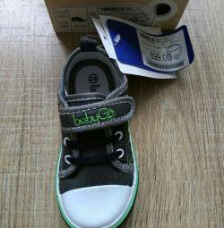 Spor ayakkabı 23 beden, iç taban 15.3