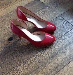 Червона туфелька