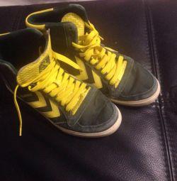 Male footwear Hummel