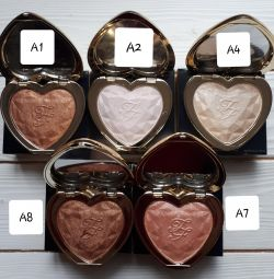 Хайлатер Too Faced LOVE LIGHT