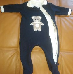 Woolen overalls for children