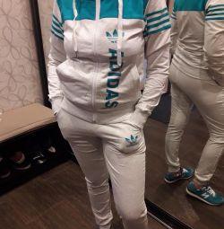 Новый Adidas женский спортивный костюм