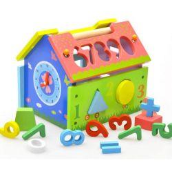 Jucărie de sortare din lemn Casa cu ceas