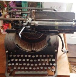 Η γραφομηχανή Ολυμπία