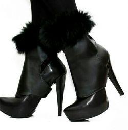 Genți de manevră pe pantofi