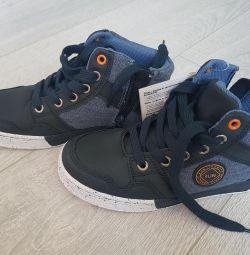Нові черевики 21 см на осінь