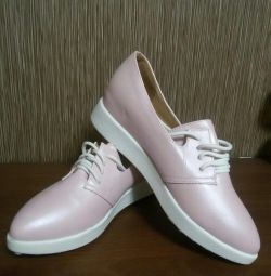 перламутрові туфлі