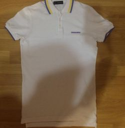 Polo Dsquared2. New. It is dressed once. Malomer