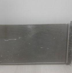 Радиатор охлаждения Lada Granta (15) oem 623693