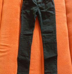 Черные джинсы для девушки