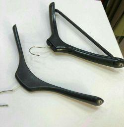 Hangers hangers surround