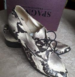 Pantofi croc.
