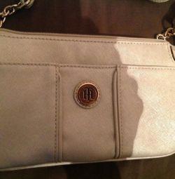 Νέα τσάντα Tommy Hilfiger