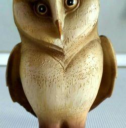 Eagle owl figurine.