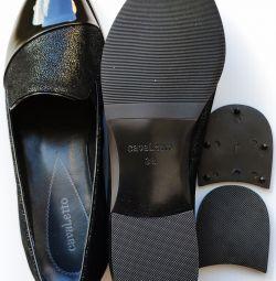 38 Pantofi din piele neagră Cavaletto