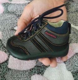 Нові черевики - пінетки 17 розмір від 0-5 місяців
