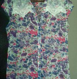 Light blouse 46-48