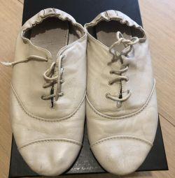 Δερμάτινα πάνινα παπούτσια γυναικών