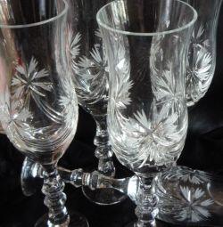 Pahare de vin din cristal