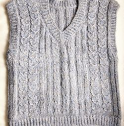 New knitted sleeveless shirt handmade 44-46