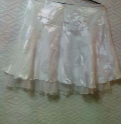 Λευκή φούστα
