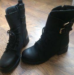 Boots NEW / demi-season